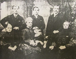 Crook family c.1889 in Bolton
